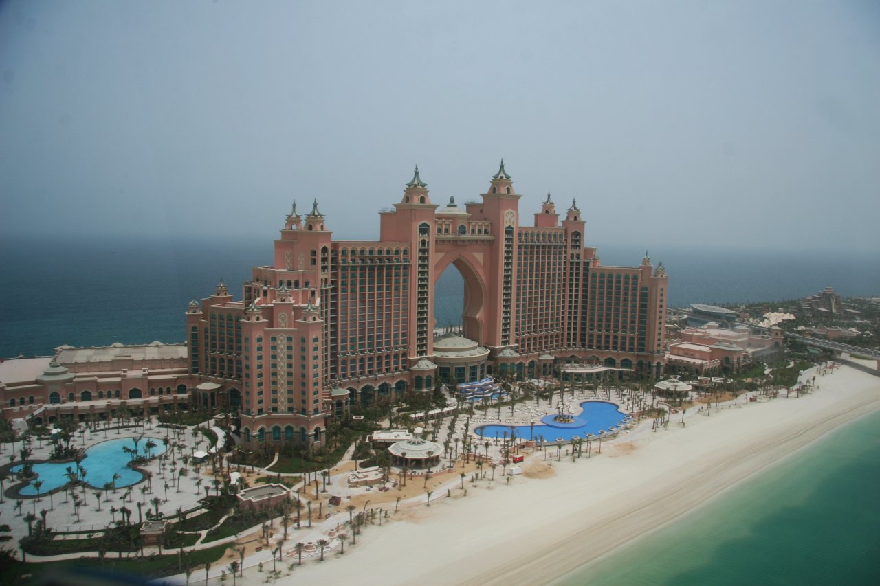 anillla Atlantis Beach Tower
