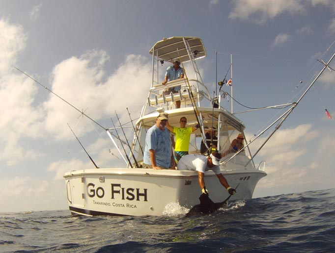 Go fish charters fly fish costa rica jaco costa rica for Costa rica fishing charters
