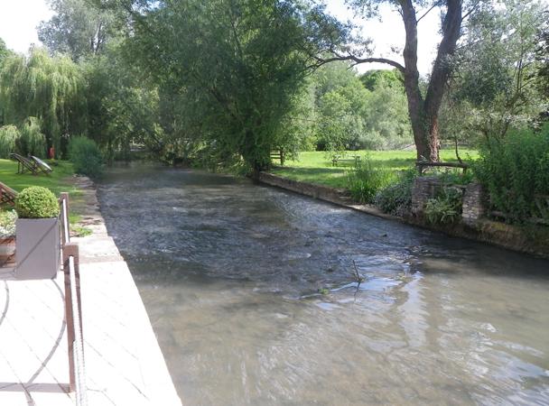 Old Swan - River Windrush